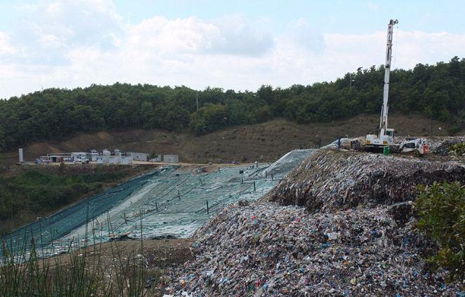 ambiente borgo giglione discarica Borgo Giglione gesenu inchiesta gesenu rifiuti cronaca