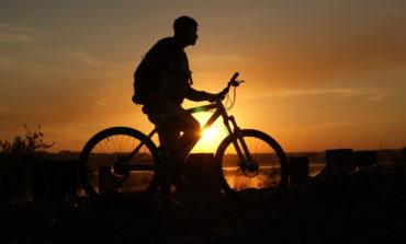 """""""Vado dalla fidanzata, mamma non mi vuole"""", 17 anni fermato di notte in bici sul Raccordo"""