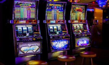 Ellera di Corciano, spari nella notte tra sabato e domenica: ladri di slot machine costretti ad abbandonare il furgone