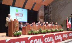 Critiche al re del cachemire Cucinelli al congresso della Cgil regionale