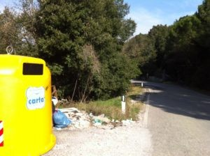 Preservativi e rifiuti al Belvedere 4