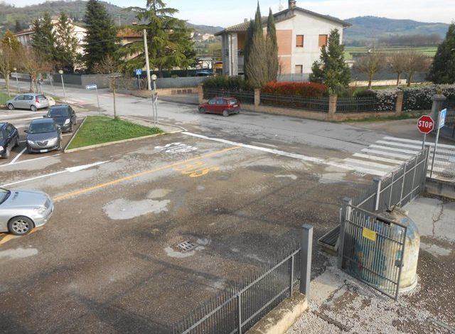 Corciano, le segnalazioni degli alunni riqualificano il parcheggio della scuola media Bonfigli