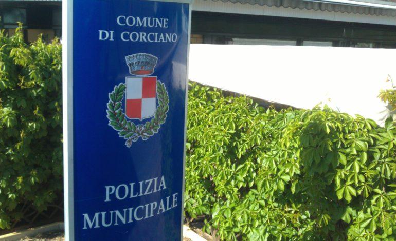 Dopo le segnalazioni dei cittadini i vigili mettono al setaccio i parchi corcianesi