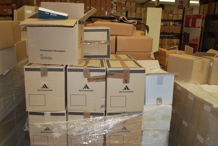 """Libri abbandonati nel magazzino della Regione a Solomeo, la denuncia: """"Pagati con soldi pubblici"""""""