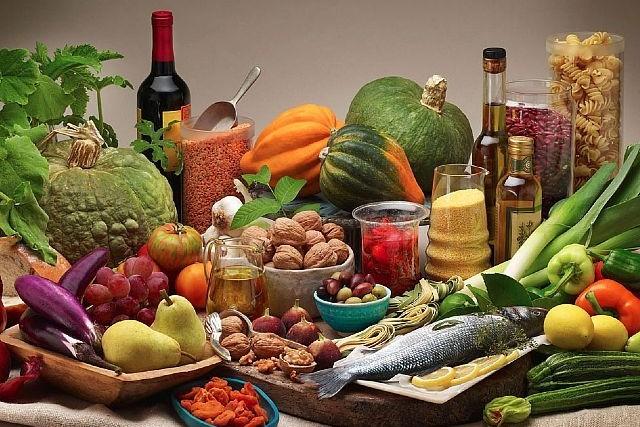 Una dieta equilibrata per allungare la vita: i consigli del Dr. Bianchini