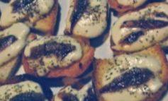 Crostini acciuga e mozzarella