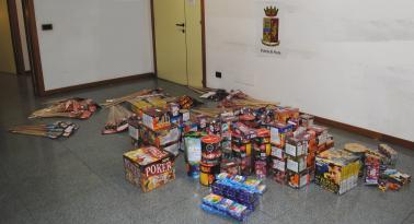 Sequestrati 70 kg di fuochi d'artificio non autorizzati a Mantignana