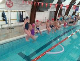 alunni bonfigli nuoto piscina cronaca eventiecultura mantignana san-mariano
