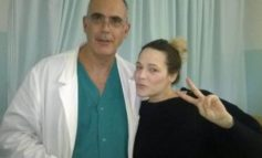 """Laura Chiatti lascia l'ospedale e ringrazia con una lettera :""""In Umbria la sanità è di eccellenza"""""""