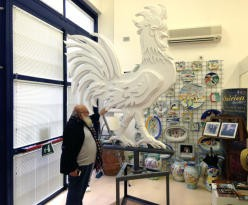 """Sulla rotonda di via Gramsci arriva il """"Gallo Artistico"""""""