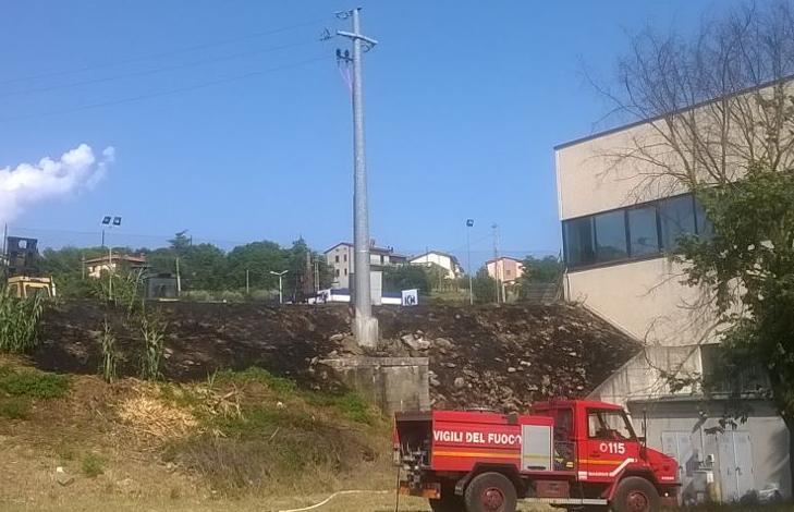 distributore elettricità enel fiamme icm incendio pompieri vigili del fuoco cronaca ellera-chiugiana taverne
