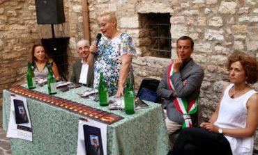 Corciano Festival 2015, tanta gente all'inaugurazione nel chiostro del Comune