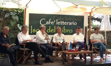 """Isola del Libro, il viceministro Morando e Brunello Cucinelli: """"Gli imprenditori di successo investono in conoscenza"""""""