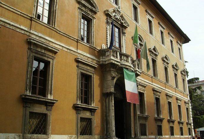 Comuni: in Umbria la spesa per investimenti in dieci anni è calata dell'82% per la riduzione dei trasferimenti statali