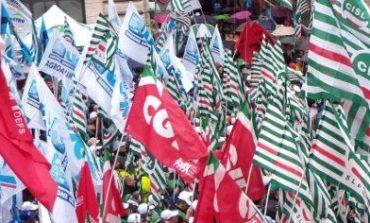 Lavoro: i sindacati chiedono una task force contro i licenziamenti