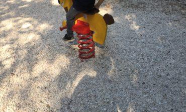Rimesso a nuovo il parco giochi per bambini sul Colle della Trinità