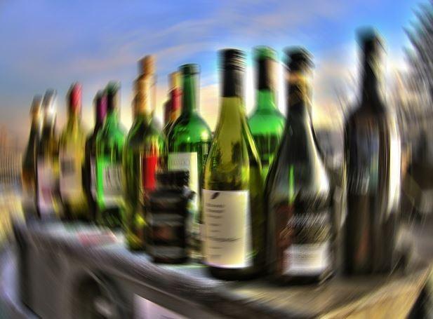 "Binge drinking poi va da sola al pronto soccorso: ""Ho 14 anni e ho bevuto troppo"""