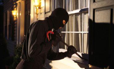 Tentato furto in villa alla Trinità, i ladri vengono messi in fuga dall'allarme