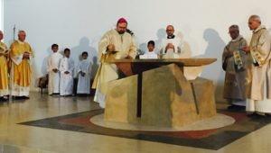 Chiesa, celebrato il rito della consacrazione-dedicazione della parrocchia Santa Maria della Speranza 2