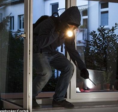 Due notti di furti a Corciano: i ladri tentano ripetutamente di entrare nelle abitazioni