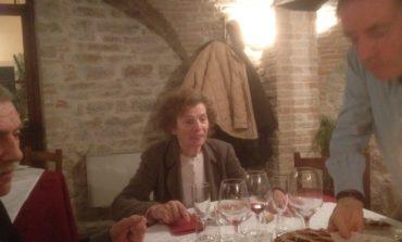 Gli Amici del Presepe di Corciano festeggiano il loro impegno insieme alla Signora Anna