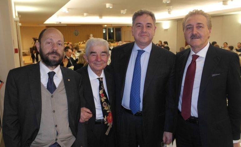 Il Credito Cooperativo Umbro saluta Antonio Marinelli durante la cena degli auguri
