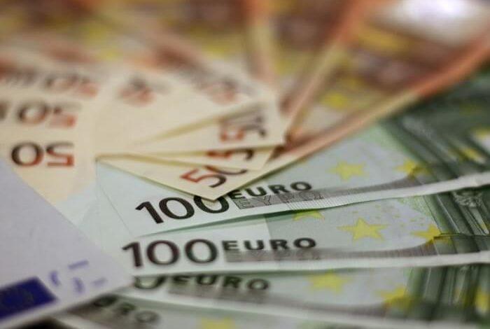 Perde più di 1000 euro in contanti di pensione, li ritrova grazie ad un onesto cittadino
