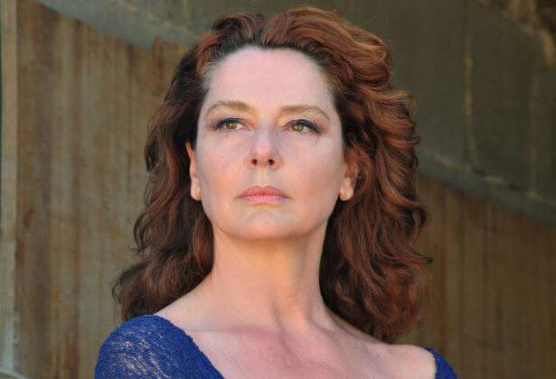 Solomeo ospita Monica Guerritore, al Teatro Cucinelli con la commedia 'Qualcosa rimane'