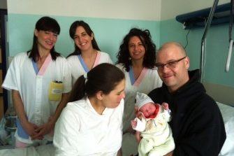 In aumento i nati all'ospedale di Perugia, in calo i cesarei