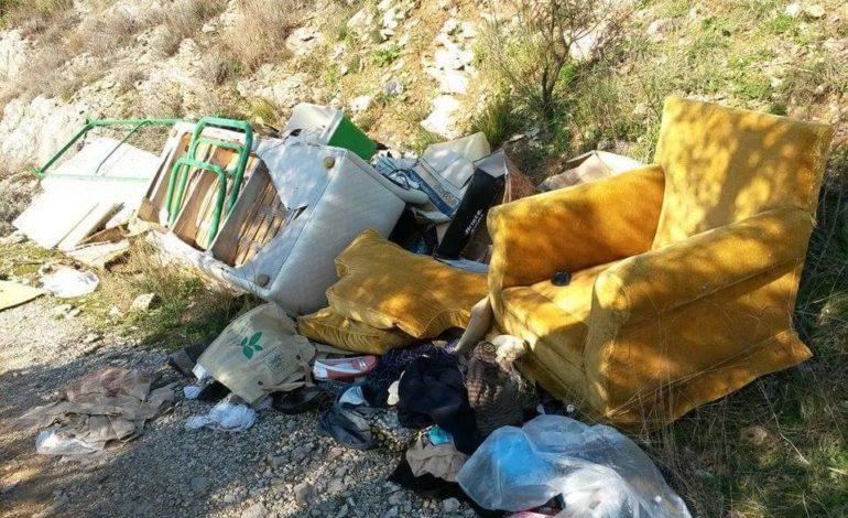 discarica inciviltà rifiuti cronaca ellera-chiugiana