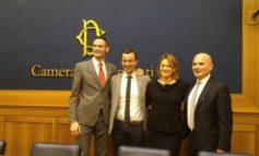 Il sindaco Betti con Jack Sintini alla Camera per la presentazione di 'Forza e Coraggio'