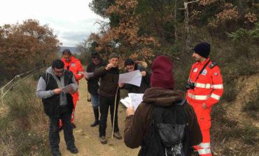 Lezione pratica di topografia per gli aspiranti volontari della Protezione Civile OVUS di Corciano