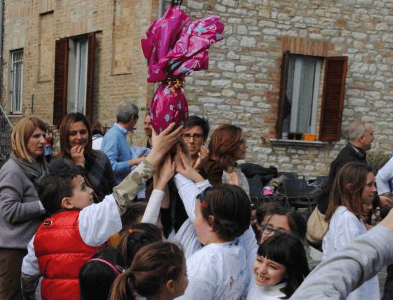 """Lunedì è caccia all'uovo con """"Easter Egg Hunt"""", per le vie del borgo di Corciano"""