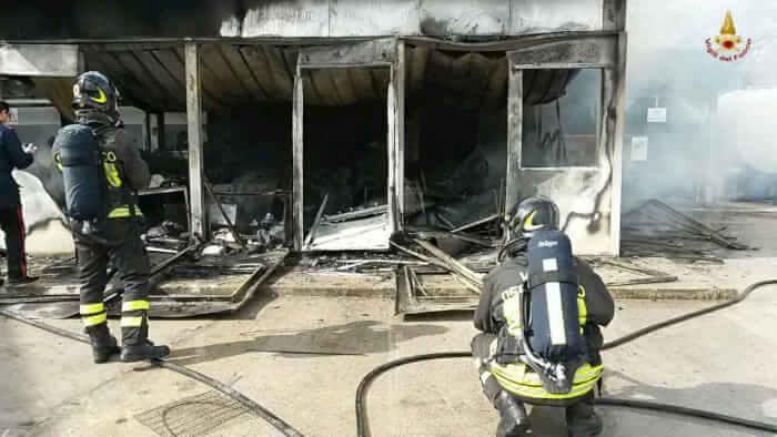 azienda incendio taverne vigili del fuoco cronaca taverne