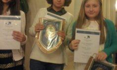 """Al concorso """"Un poster per la Pace"""" premiate tre studentesse della scuola Bonfigli"""