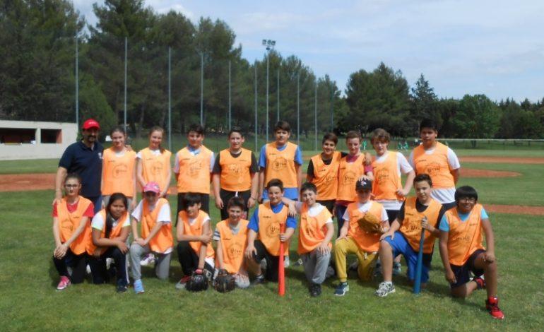 L' istituto Bonfigli regala ai suoi ragazzi l'esperienza del Baseball