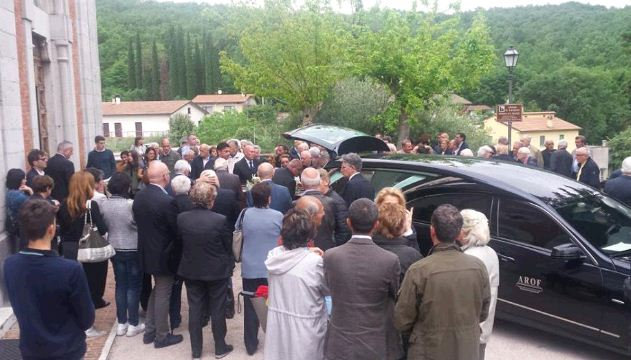 Celebrato il funerale del prof. Ugo Mercati, commozione a Capocavallo