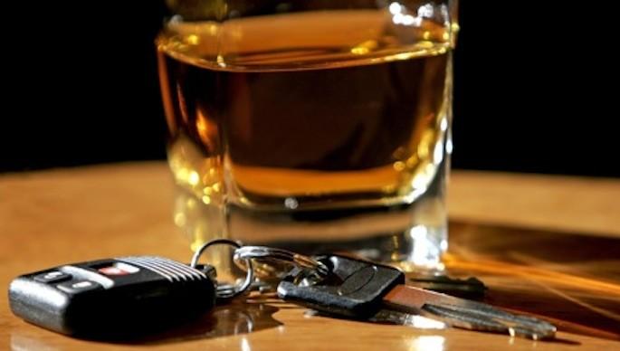 Guida ubriaco sul raccordo tra Mantignana e Corciano