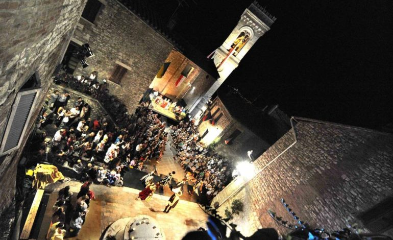 Corciano Festival, tre giornate di rievocazioni storiche: iniziata la distribuzione dei vestiti