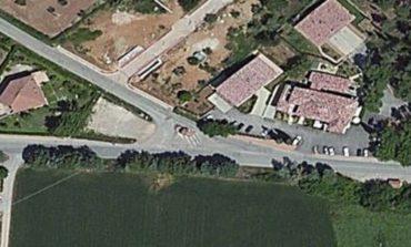 Schianto nella notte a Mantignana, morto un 43enne del posto