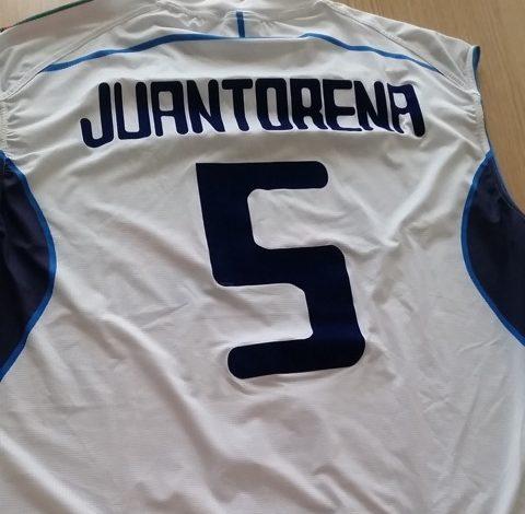 La maglia dell'olimpionico Juantorena contro il cancro. Oggi l'asta per l'Associazione Giacomo Sintini