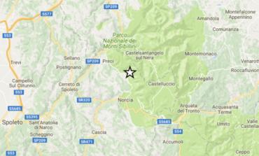 Il terremoto colpisce ancora l'Umbria. Crolla la Basilica di San Benedetto a Norcia, scuole chiuse a Corciano