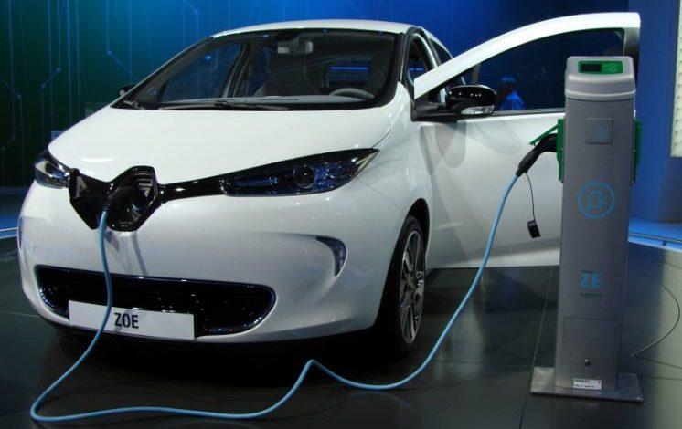 Auto elettriche: installate due nuove colonnine di ricarcia a Ellera e San Mariano