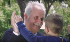 Festa dei nonni: in Italia l'età in cui arrivano i primi nipoti è calata a 54 anni