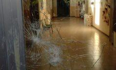 Furto all'Istituto Benedetto Bonfigli. I ladri spaccano il vetro e rubano un computer