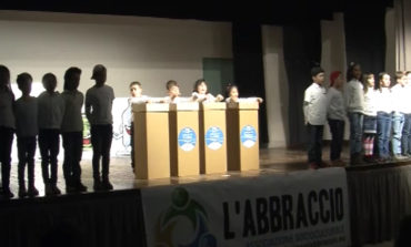 """Grande successo per """"Lamp il lampione"""" lo spettacolo promosso dall'associazione L'Abbraccio"""
