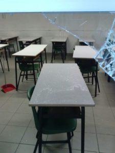 Furto a scuola, spaccano il vetro e rubano computer: è l'ennesima volta 4