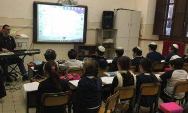 """Studenti del """"Bonfigli"""" e della Scuola Ebraica di Roma fianco a fianco per lanciare un messaggio di pace e fratellanza"""