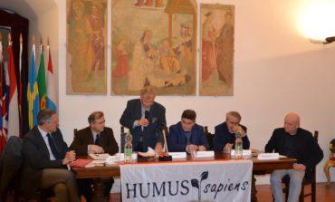 Classe dirigente cercasi: tanti spunti di riflessione nell'incontro organizzato da Humus Sapiens