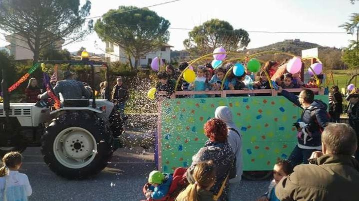carnevale castelvieto coriandoli festa castelvieto